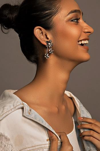 Trace L Earrings
