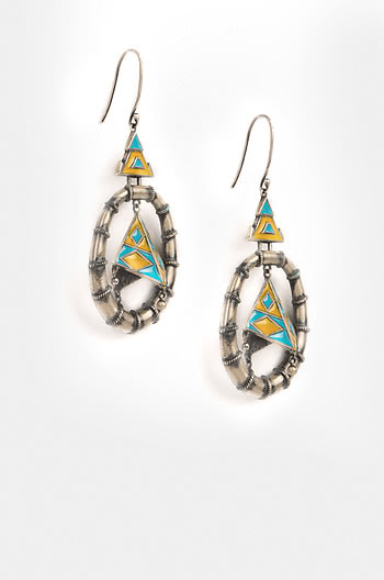 Antique Tribhuja Sculpture Earrings