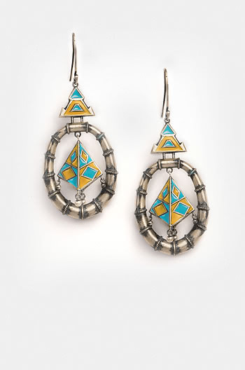 Tribhuja Sculpture Earrings
