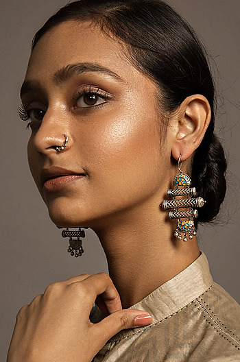 Srasta Step Earrings