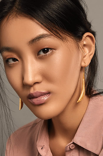 Just Do it Earrings in Gold Plating