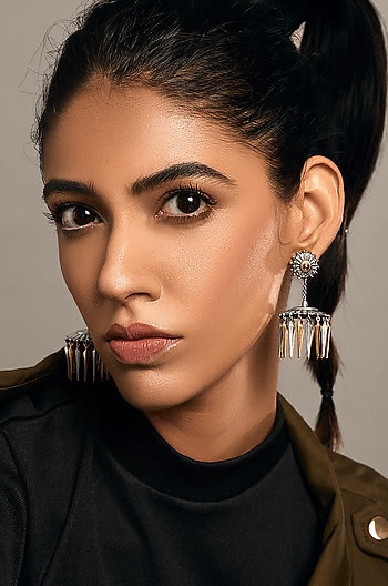 Manikarnika Arrow Earrings
