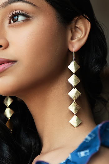 Checklist Earrings in Gold Plating