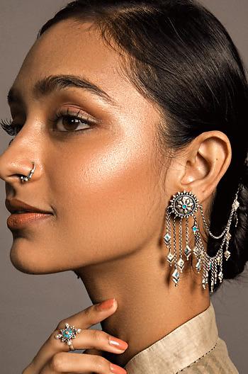 Vasuh Vent Earrings