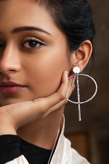 Finesse Earrings