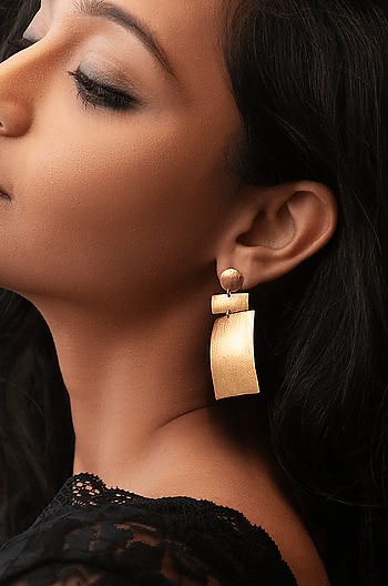 Drama Queen Earrings in Gold Plating