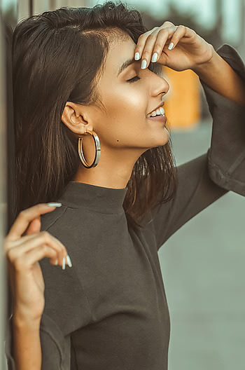 Taylor S Midi Hoops in Gold Plating