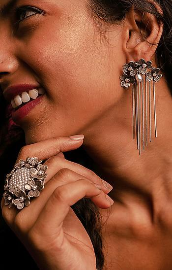 Emmelin P Earrings