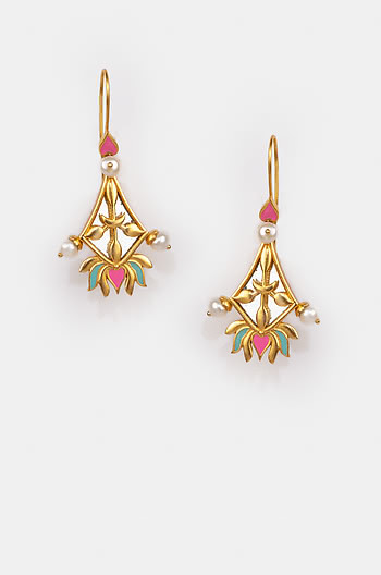 Iski Uski Earrings in Gold Plated Brass