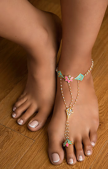 Iski Uski Single Foot Harness in Gold Plated Brass