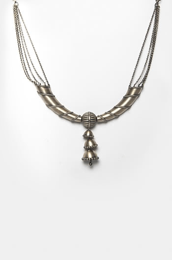 Narah Pillar Necklace