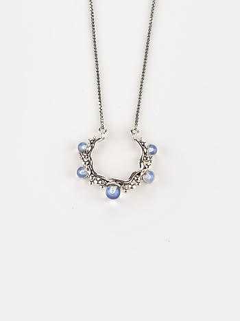A Sunday Siesta Necklace in 925 Silver