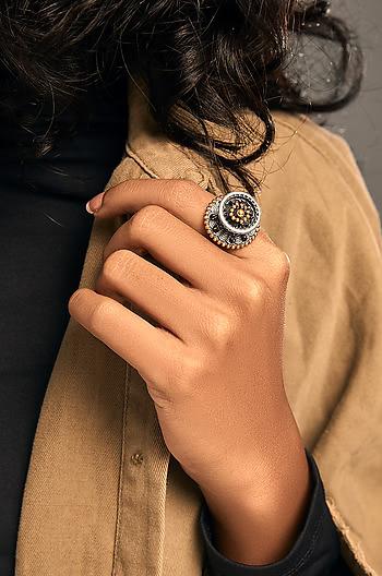 Dalair Shield Ring