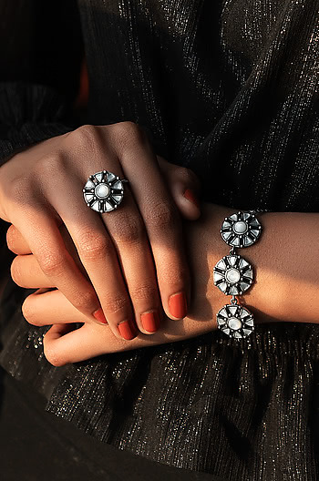 All Eyes On You Ring in 925 Silver