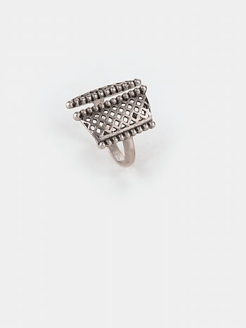 Antique Ajjis College Wali Ring in 925 Silver