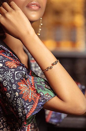 SOS Bracelet in Gold Plating