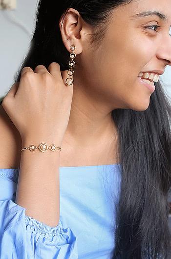 Multitasker Bracelet in Gold Plating