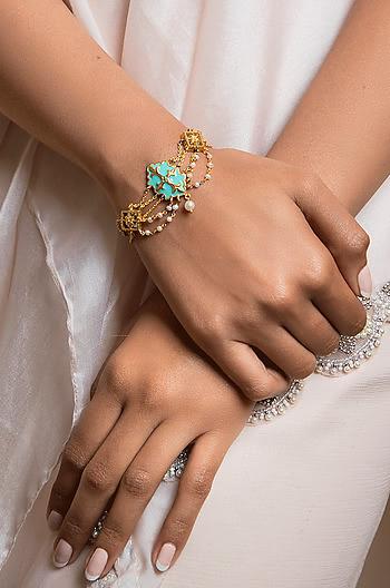 Baari Barsi Bracelet in Gold Plated Brass
