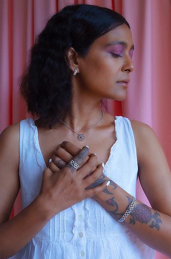 Nagmori Inspired Hinge Bracelet in 925 Silver