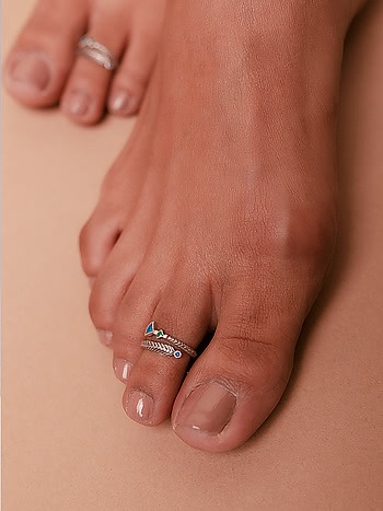 Owning My Clumsy Nature Toe Rings in 925 Silver