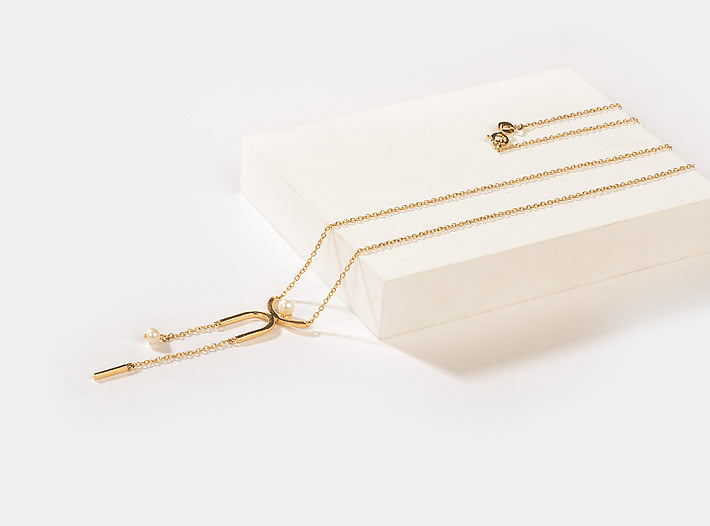 Slick Mode Necklace in Gold Plating
