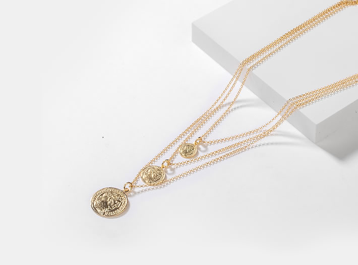 All In Layered Necklace In Gold Plating